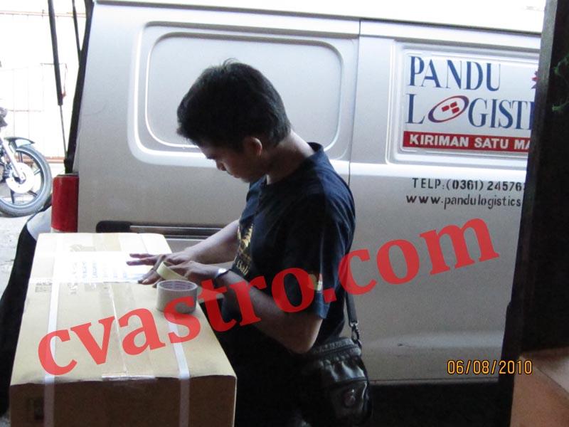 Pengiriman 8 unit AC DAIKIN 2 pk Split Wall Mounted ke Lombok