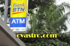 pylon-bank